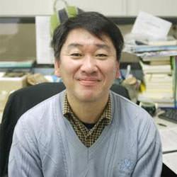 팀장 김성근
